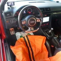 アウディ RS4 2008yのサムネイル