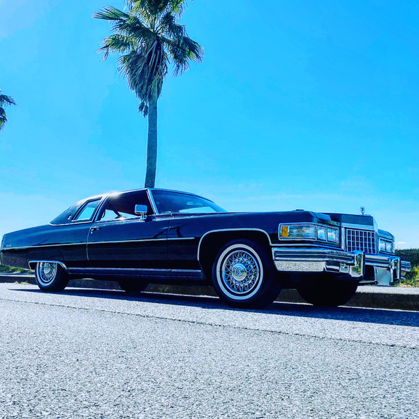 1976y Cadillac Coupe deVille for Sale