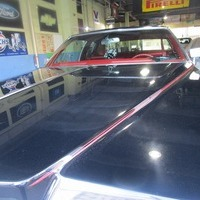 1976y Cadillac Coupe deVilleのサムネイル